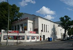Kino am Friedrichshain, Angela M. Arnold, Berlin (44penguins) [CC BY-SA 3.0 (https://creativecommons.org/licenses/by-sa/3.0)], via Wikimedia Commons