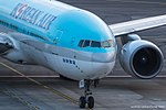Korean Air Boeing 777-200 HL7531 (32554432954).jpg