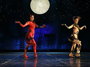 Demeter (cat) - Barbara Melzer as Bombalurina (left) and Ewa Lachowicz as Demeter in the Polish production of Cats, 2007.