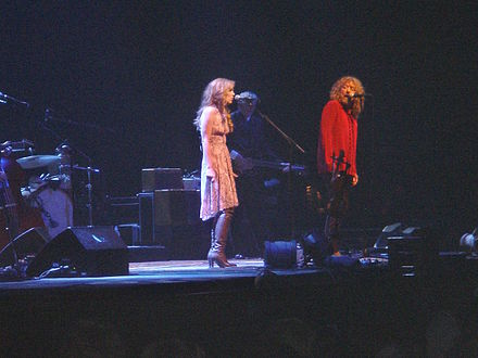 Plant on stage with Alison Krauss at Birmingham's NIA on 5 May 2008. KraussPlantNIA2008.JPG