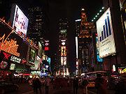 Vista noturna da Times Square, Nova Iorque.