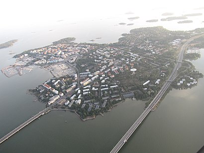How to get to Lauttasaari with public transit - About the place