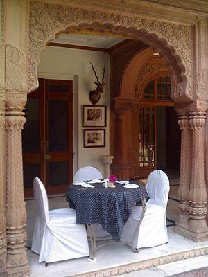 Laxmi Niwas Palace - Garden restaurant at the Laxmi Niwas Palace