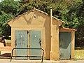 Le Tholonet-FR-13-centre-WC publics-03.jpg