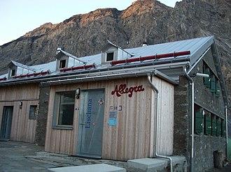 Sesvenna Alps - Image: Lischanahütte 01