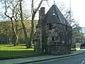 Little house in grounds of Holyrood Palace - geograph.org.uk - 1053272.jpg