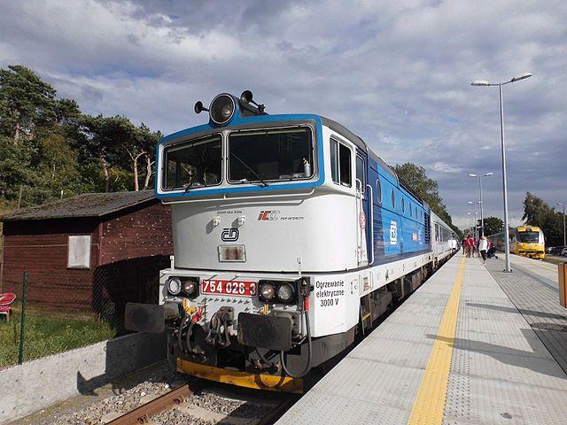 Lokomotywa 754 Nurek na stacji Jastarnia.jpg