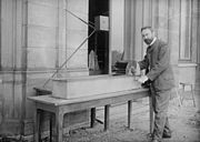 Ludwig Prandtl 1904 with his fluid test channel