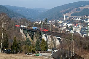 Ludwigsstadt - Freight train on ascent to the Rennsteig