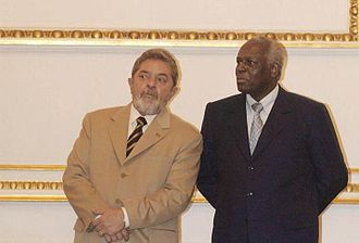 José Eduardo dos Santos - Dos Santos in 2003 with the President of Brazil, Lula da Silva