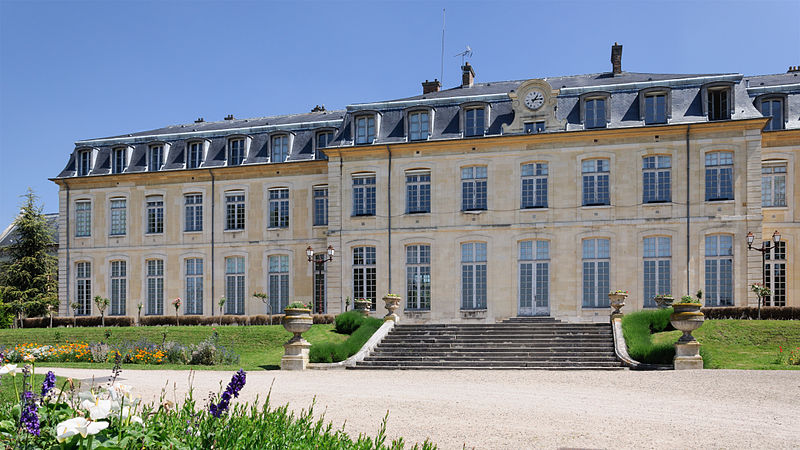 Fichier:Lycee Michelet Vanves pavillon Mansart vu parc.jpg