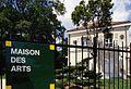 Maison des arts vue de la grille avec plaque en émail.jpg