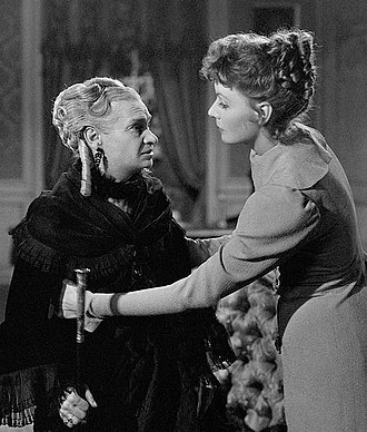 Maria Ouspenskaya - Ouspenskaya (left) and Greta Garbo in Conquest (1937)