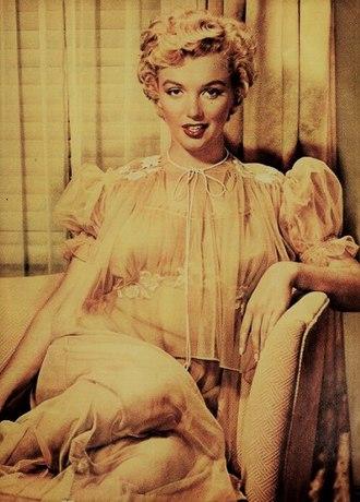 "Watermark (Enya album) - ""Cursum Perficio"" was inspired by a documentary on Marilyn Monroe."