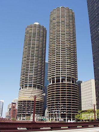 WCFL (AM) - Image: Marina City Chicago, Illinois