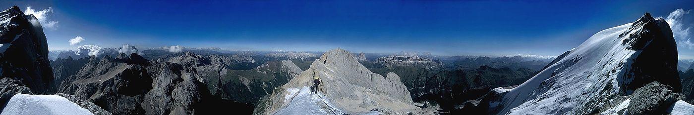 Vista panorámica de los Dolomitas.