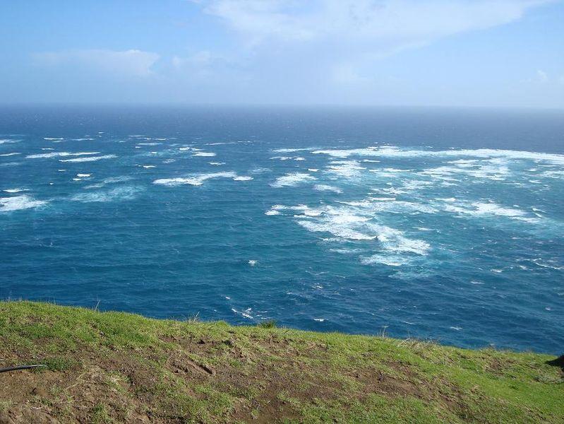 File:Meeting point of Tasman Sea and Pacific Ocean.jpg