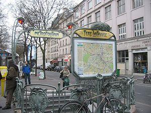 Père Lachaise (Paris Métro) - Image: Metro Stop East Side of Paris