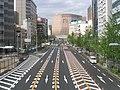 Midōsuji Boulevard (御堂筋) in Osaka (Flickr id 17141001427).jpg
