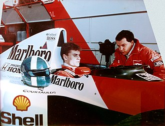 Mike Gascoyne - Mike Gascoyne engineering David Coulthard at his Autosport test