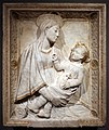 Mino da fiesole, madonna col bambino (cleveland), 1461 ca.jpg