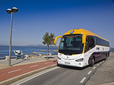Taxi to Sitges from Barcelona airport or by bus?
