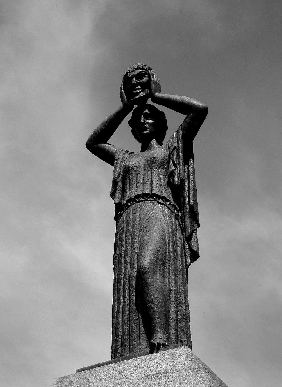 Monumento a Jacinto Benavente (Madrid) 01