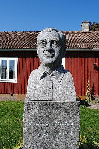 Emmaboda - Bust of Vilhelm Moberg at Moshultamåla