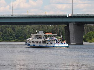 Moskva-1 on Khimki Reservoir 22-jun-2012 04.JPG