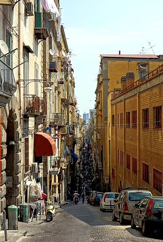 Spaccanapoli (street) - Image: Naples spaccanapoli
