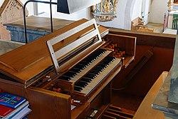 Neenstetten Ulrichskirche Orgel Manuale 2020 08 20.jpg