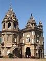 New Palace Kolhapur Entrance (2065367709).jpg