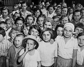 Guanajuato - Orphaned Polish children in Santa Rosa, Guanajuato that arrived with a larger group of refugees during the Second World War.