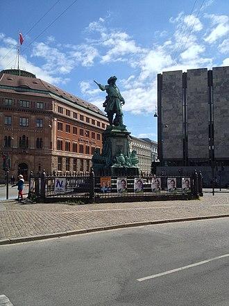 Holmens Kanal - The Niels Juel statue
