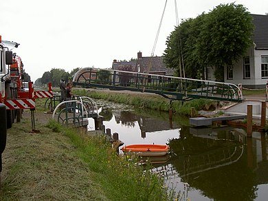 390px-Nieuw_bruggetje_003.jpg