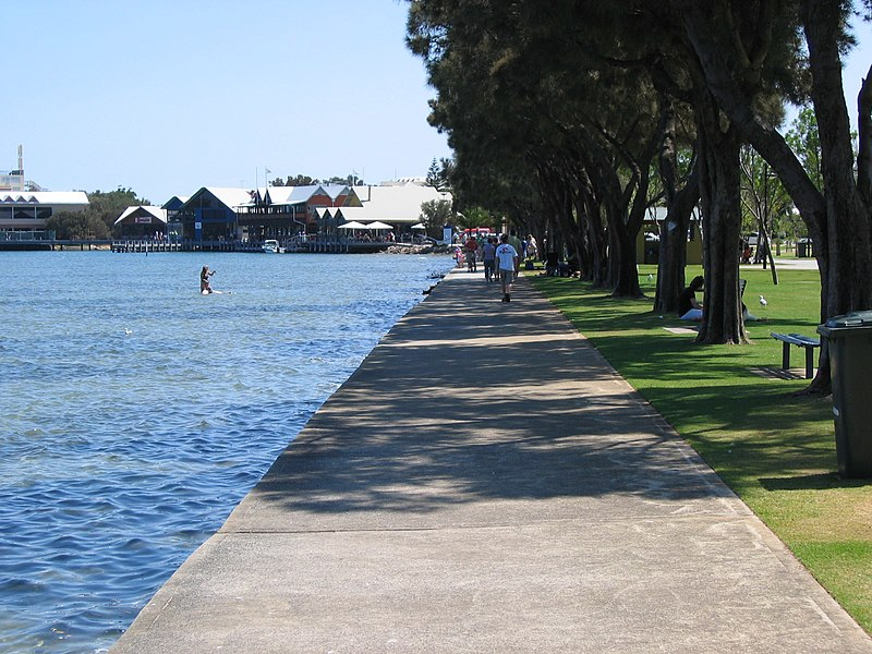 800px OIC mandurah foreshore 1 Budget Holidays Near Perth for Families with Young Kids