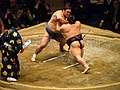 Okinoumi vs. Takekaze 2014-01-25 002.jpg