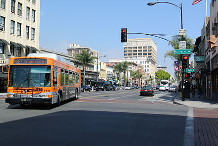 Old Town Pasadena and Metro Local bus Old Town Pasadena and Metro Local bus.JPG