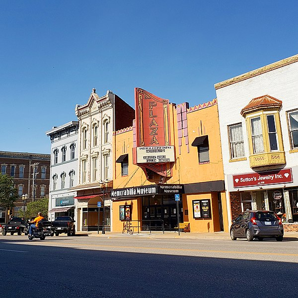 File:Oldest movie theater in the world - Downtown Ottawa, Kansas.jpg