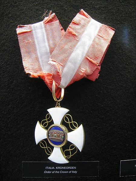 File:Order of the Crown of Italy - Fram Museum.jpg