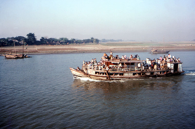 File:Overcrowded ferry boat on Meghna River, Bangladesh.jpg
