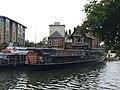 Oxford- pleasure cruisers on River Thames (geograph 5118319).jpg