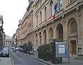 P4240038 Paris II rue de la Banque mairie reduct.jpg