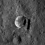 PIA20360 Oxo crater on Ceres (edited).jpg