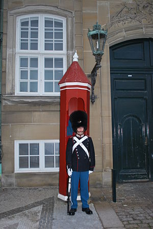 English: Palace Guard, Amalienborg Palace, Cop...