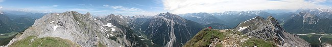 Panorama Mittenwalder Höhenweg.jpg
