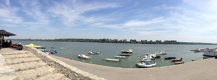 Panorama of the Danube near Zemun.JPG