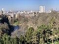 Parc Buttes Chaumont vu depuis Rue Botzaris - Paris XIX (FR75) - 2021-03-06 - 6.jpg