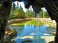 Parc Samà, estany des de sota la cascada - panoramio.jpg