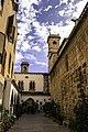 Patio norte da igrexa de Sant Joan de l'Hospital.jpg